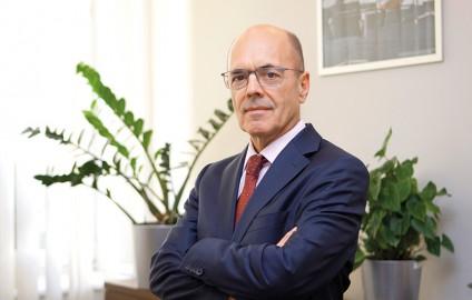 "UKRAINIAN BANKING SECTOR REFORM: NATIONAL BANK OF UKRAINE NOW HAS ""DIFFERENT INSTITUTIONAL DNA"""