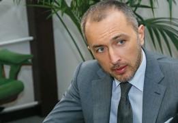 THE REINVENTION OF OSCHADBANK: How new management team transformed a former Soviet state dinosaur
