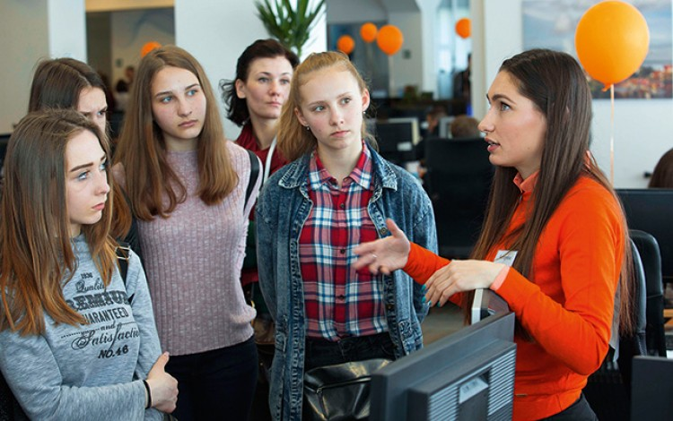Dutch-Ukrainian initiative helps disadvantaged Kyiv kids find their future profession