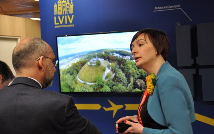 SELLING UKRAINE TO INTERNATIONAL INVESTORS: Lviv flies the flag at annual Cannes real estate exhibition